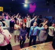 Молодожены поют вместе с нами!)